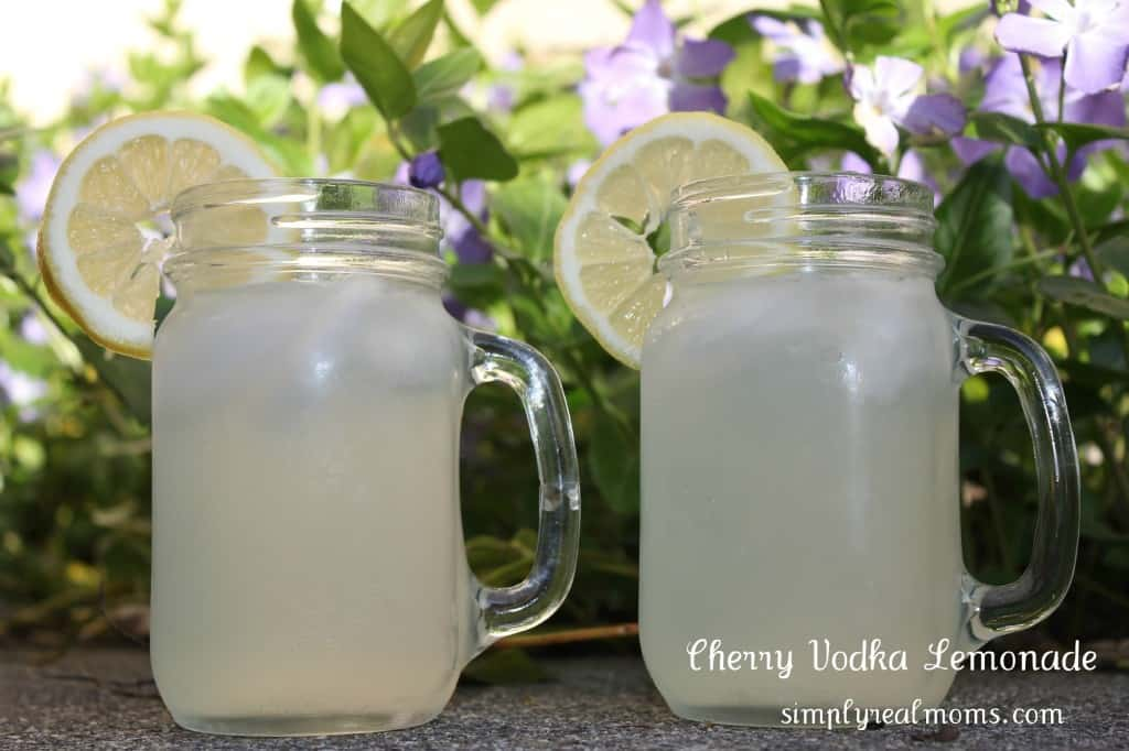 Cherry Vodka Lemonade 1024x682 Happy Hour: Cherry Vodka Lemonade