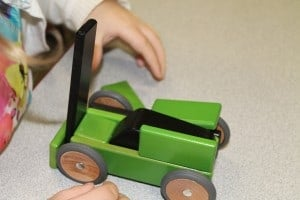 Tegu Mobility: Magnetic Wooden Cars 2
