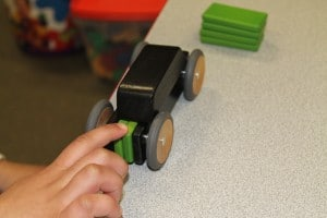 Tegu Mobility: Magnetic Wooden Cars 3