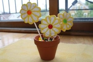 Mother's Day Treat: Daisy Pops 7