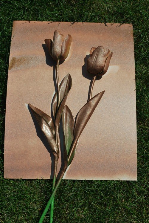 spray paint roses 500x746 DIY Spray Paint Flower Art—Easy AND Cheap!