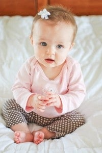 Simply Real Mom-tographers: How to take great pictures of your tiny tots! 10