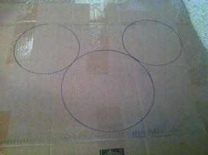 DIY: Mickey Mouse Door Hanger 6