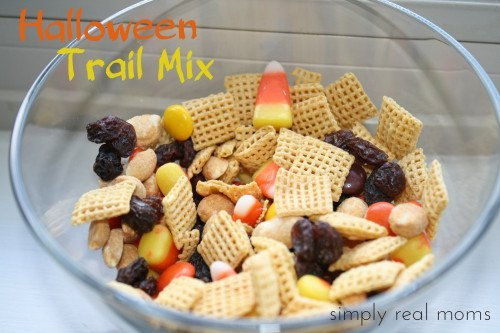HalloweenTrailMix 500x333 31 Days of Halloween: Halloween Trail Mix