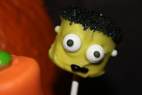 IMG 9718 500x333 31 Days of Halloween: Halloween Marshmallow Pops