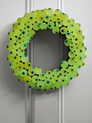 halloween crafts eyeball halloween wreath 1011 mdn 31 Days of Halloween: 10 Crafts to Do with Your Kids