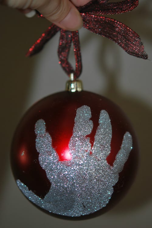 Diy holiday footprint ornaments a perfect holiday gift just have fun with these holiday footprint ornaments they dont have to be perfect if your child is wiggly and you cant get the perfect hand or footprint solutioingenieria Images