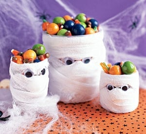 ss 100899031 31 Days of Halloween: 10 Crafts to Do with Your Kids
