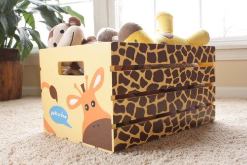 girafee21 500x333 Giveaway: Busy Bug Boxes—A 100% Handmade and Personalized Storage Crate for your Child!