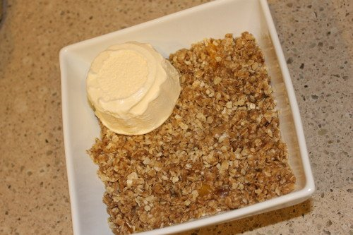 Easy and delicious microwave peach crisp! Perfect late-night snack!!