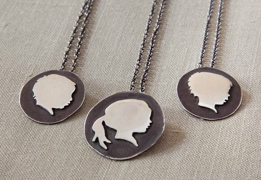 STERLING SILHOUETTE NECKLACE