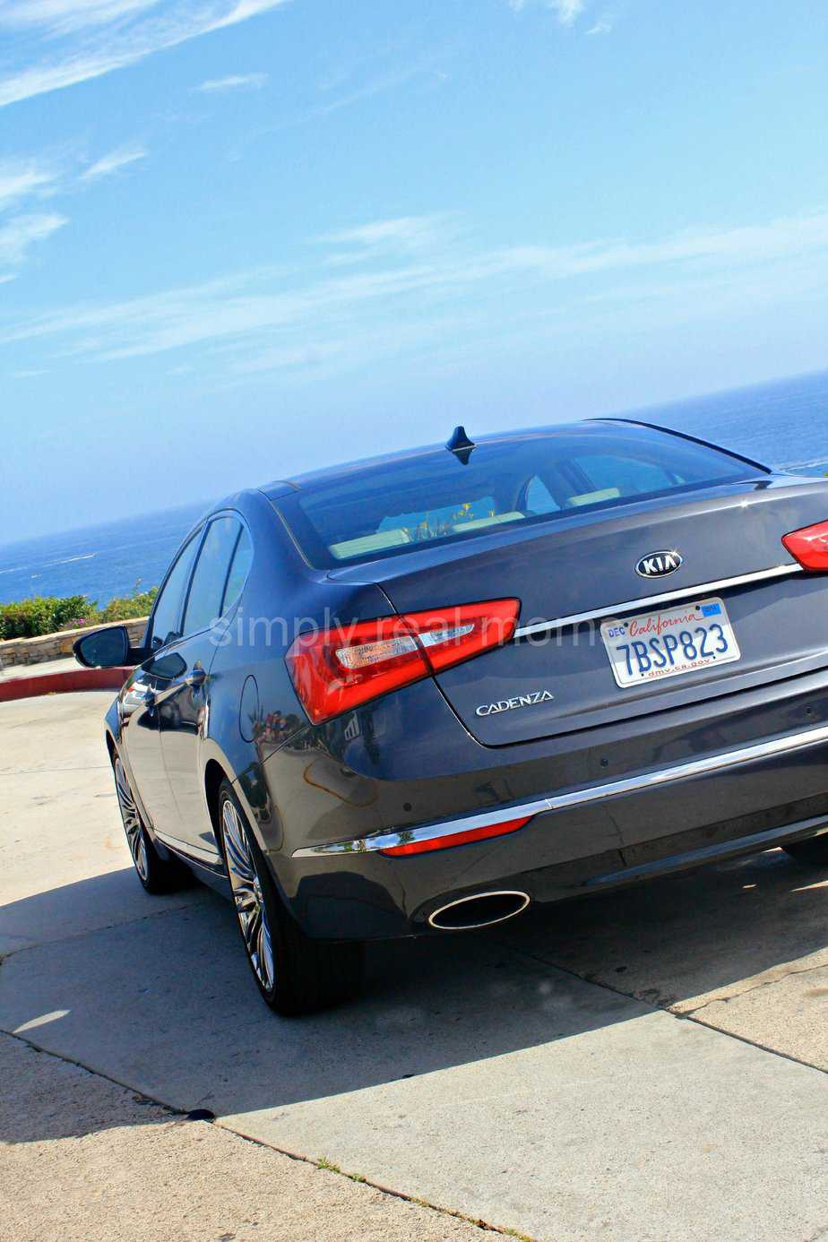 2014 Kia Cadenza Limited: Touring Orange County in Style 3