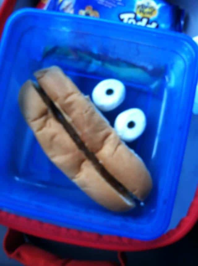 Smiley face sandwich