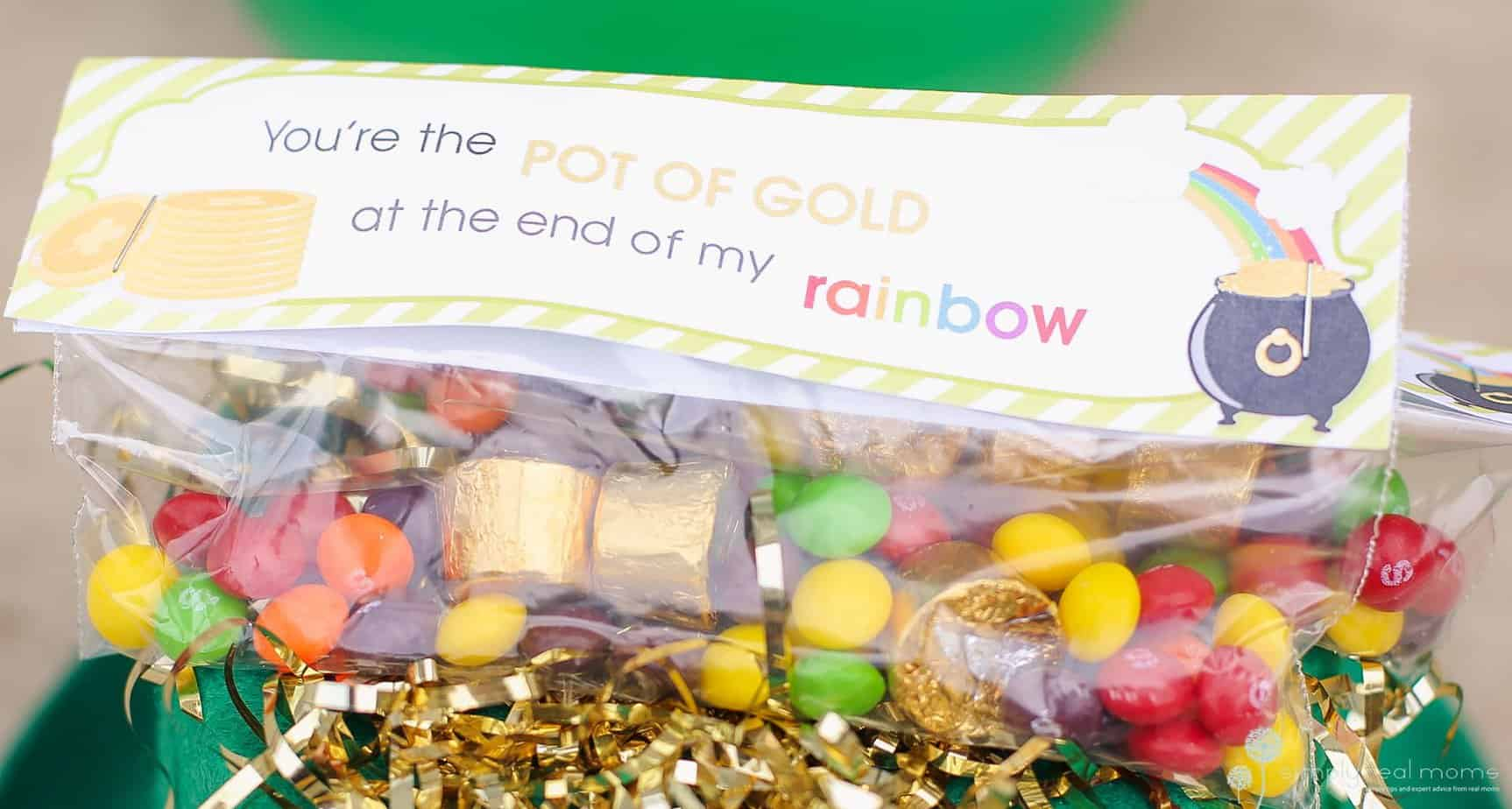 DIY St. Patrick's Day Pot of Gold Treat Bags 3