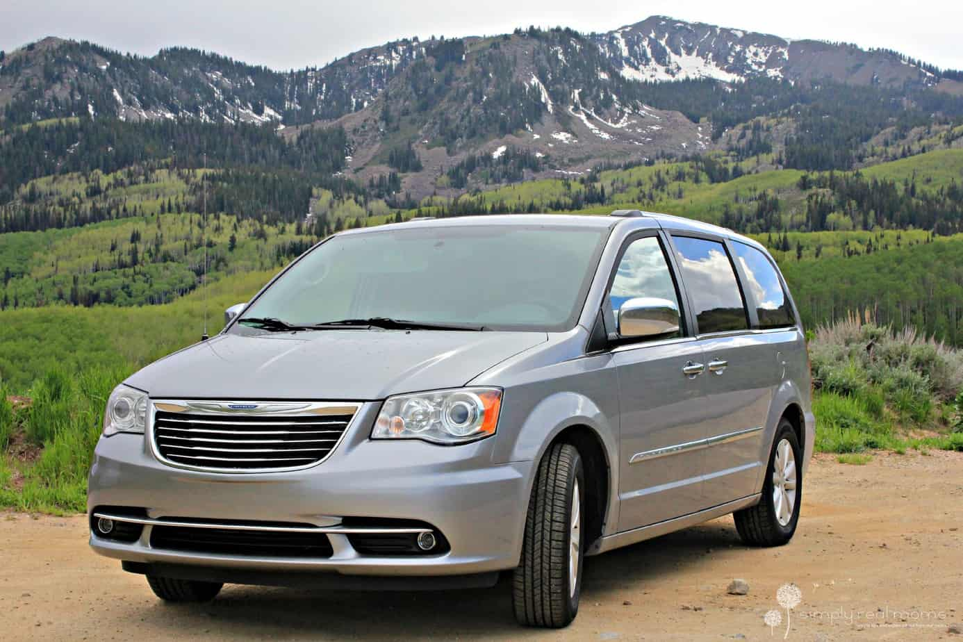 From Town to Country: 2015 Chrysler Town & Country Limited 1