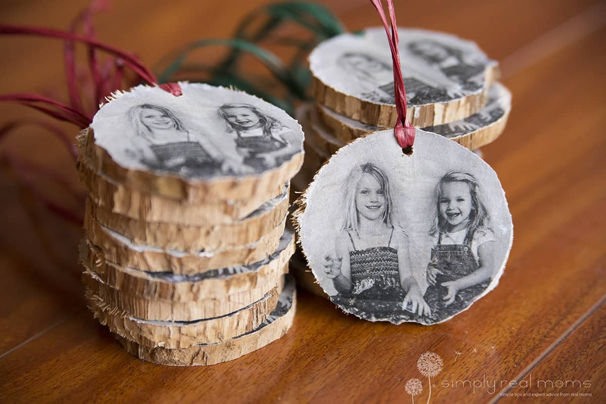 DIY: Wooden Christmas Photo Ornaments 10