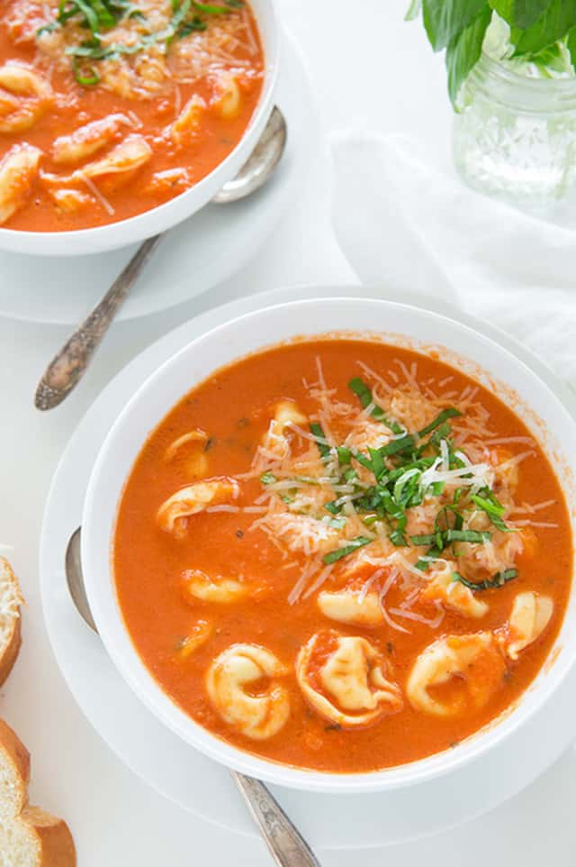 Slow-Cooker-Tomato-Basil-Tortellini-Soup