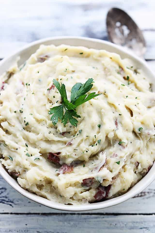slow-cooker-garlic-herb-mashed-potatoes-9