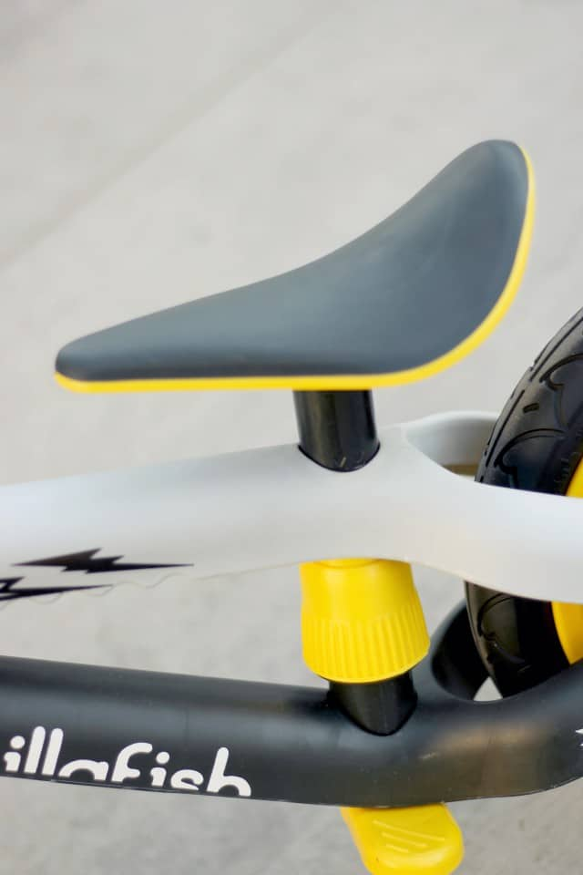 BMEie Adjustable seat