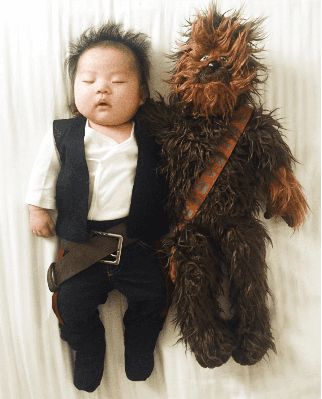mom-dresses-up-her-baby-in-adorable-costumes-while-she-naps-star-wars