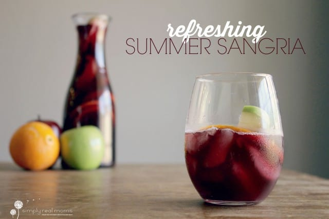 Refreshing-Summer-Sangria-640x427
