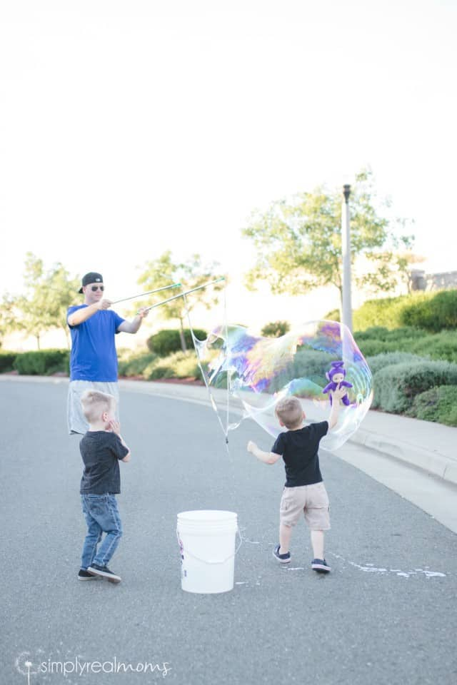 How to make DIY Giant Bubbles