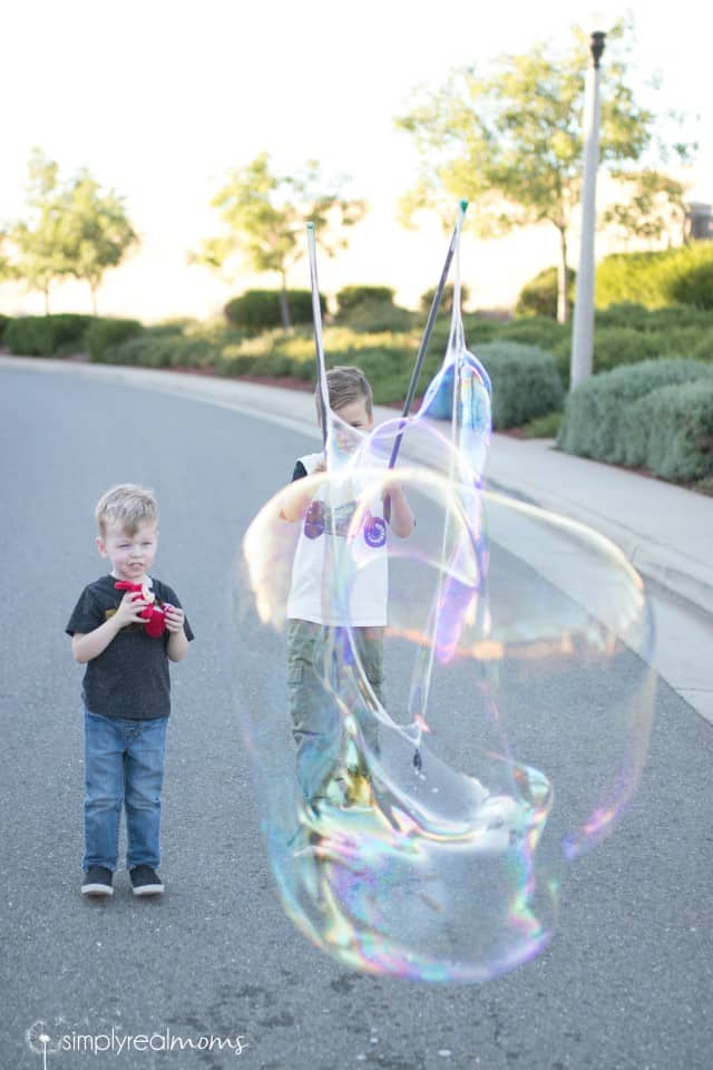 Make your own GIANT bubbles!